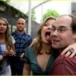 kelly-clarkson-tongue-06