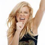 Kelly-Clarkson-Tongue-0092