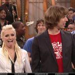 Ashlee-Simpson-Celebrity-Tongue-Picture-0019