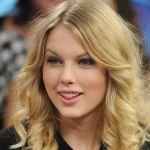 Taylor-Swift-Tongue-003