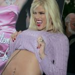 Anna-Nicole-Smith-Tongue-16_(11)