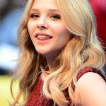 Chloe-Grace-Moretz-Tongue-0011