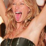 gisele-bundchen-tongue-3