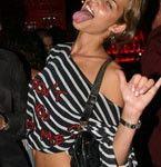 Ana-Beatriz-Barros-tongue-03