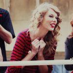 Taylor-Swift-Tongue-001