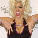 Anna-Nicole-Smith-Tongue-16_(12)