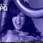 Ashlee-Simpson-Celebrity-Tongue-Picture-0018