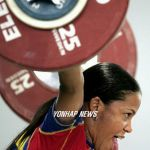 rusmeris-villar-colombian-weightlifter-tongue